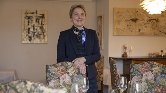 Elsa Jeanvoine, représentante de la France aux championnats du Monde 2019 des maîtres d'hôtel - Crédit photo Région Bourgogne-Franche-Comté David Cesbron