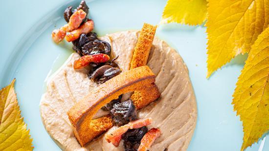 Étuvée d'escargots des Essarts aux lardons fumés, mousseline de lentilles de Brochon, croûtons de pain d'épices bio - Photo © William Beekman