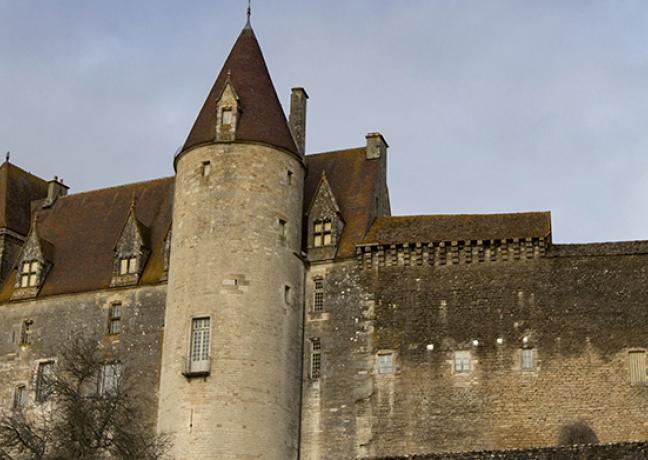Château de Châteauneuf-en-Auxois (21) - DR