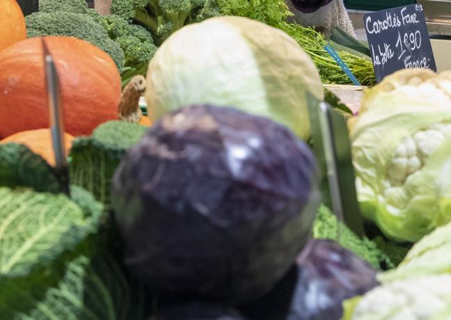 Marché couvert aux légumes Beaux-Arts Besançon - - Crédit photo Région Bourgogne-Franche-Comté / David Cesbron
